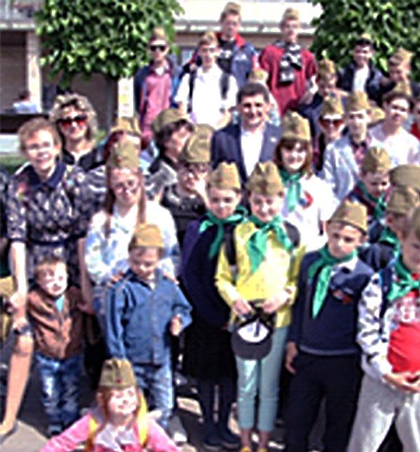 На Ростовской набережной  прошла благотворительная  акция «Дети против войны