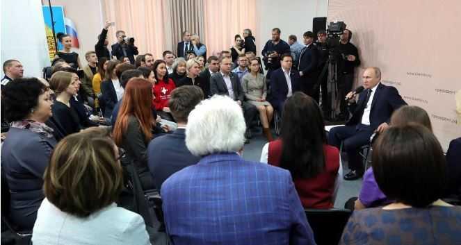 На встрече с представителями общественности Президент России отметил, что Минфин рассматривает возможность выплаты пособий родителям пенсионного возраста, ухаживающим за инвалидами