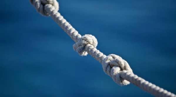 «Помогаем помогать»: бесплатные консультации психолога